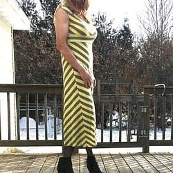 Yellow dress with black pantyhose