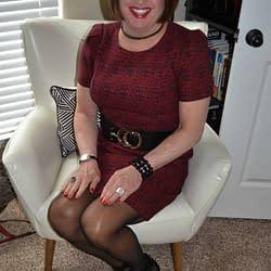 Scarlett Likes Puffy Short Sleeved Dresses!