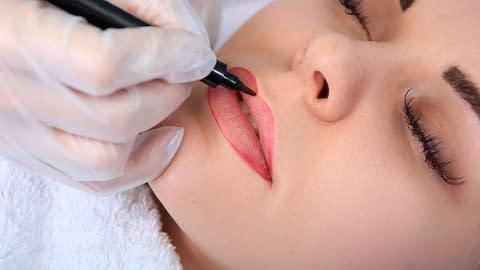 Ask A Crossdresser – Would You Wear Permanent Makeup?
