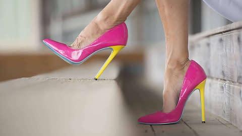 Crossdressers love high heel shoes