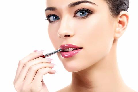 Tips for crossdressers who wear makeup