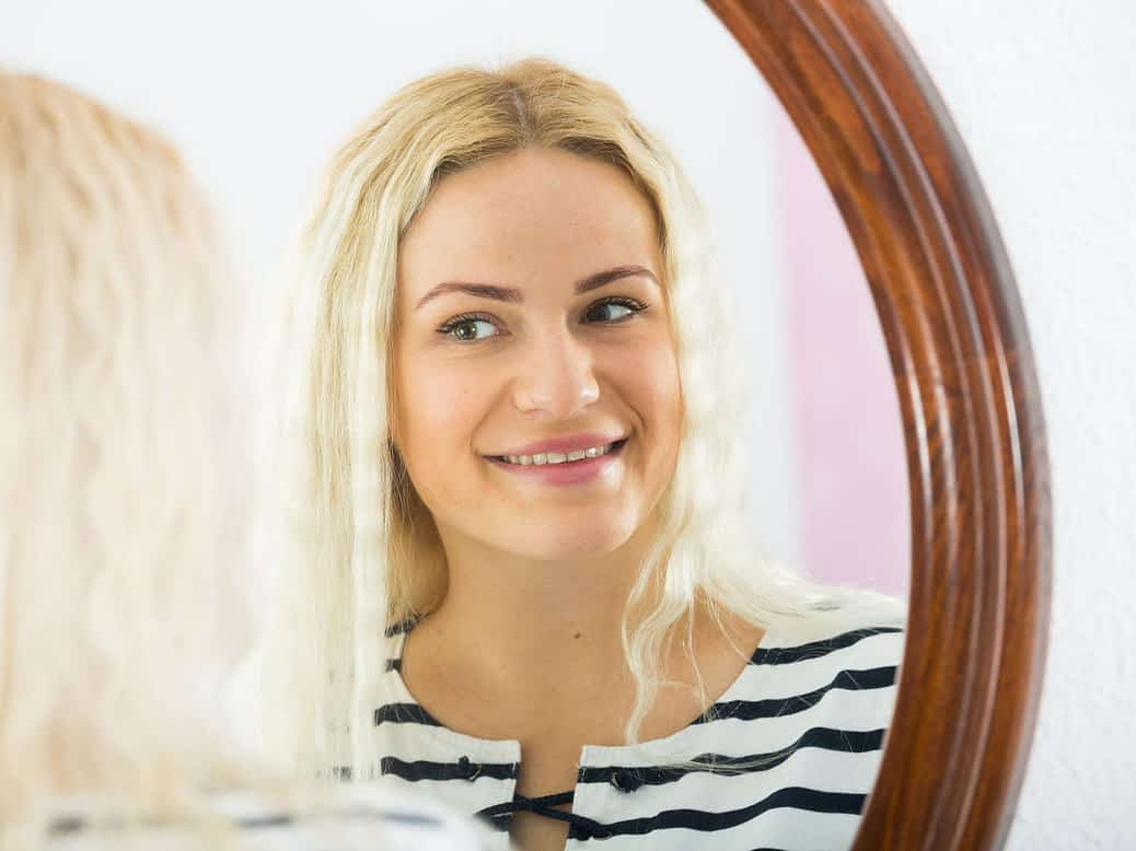 Girl in the mirror 2