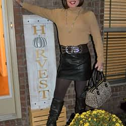 You Rarely See Me With A Purse!