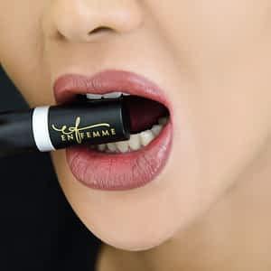 En Femme Brown-Natural Lipstick Kit