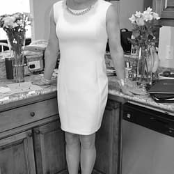 Even An All White Dress Looks Super in Black and White Pics!