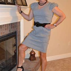 Scarlett's Conservative Poofy Sleeved Dress