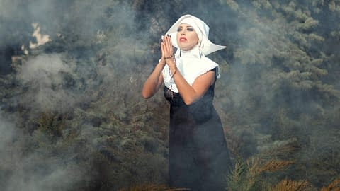 Do you expect crossdressing acceptance from religious family?