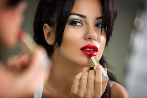 Feminine Beauty Starts With The Face