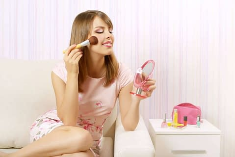 3 Transgender makeup secrets you can't learn at home