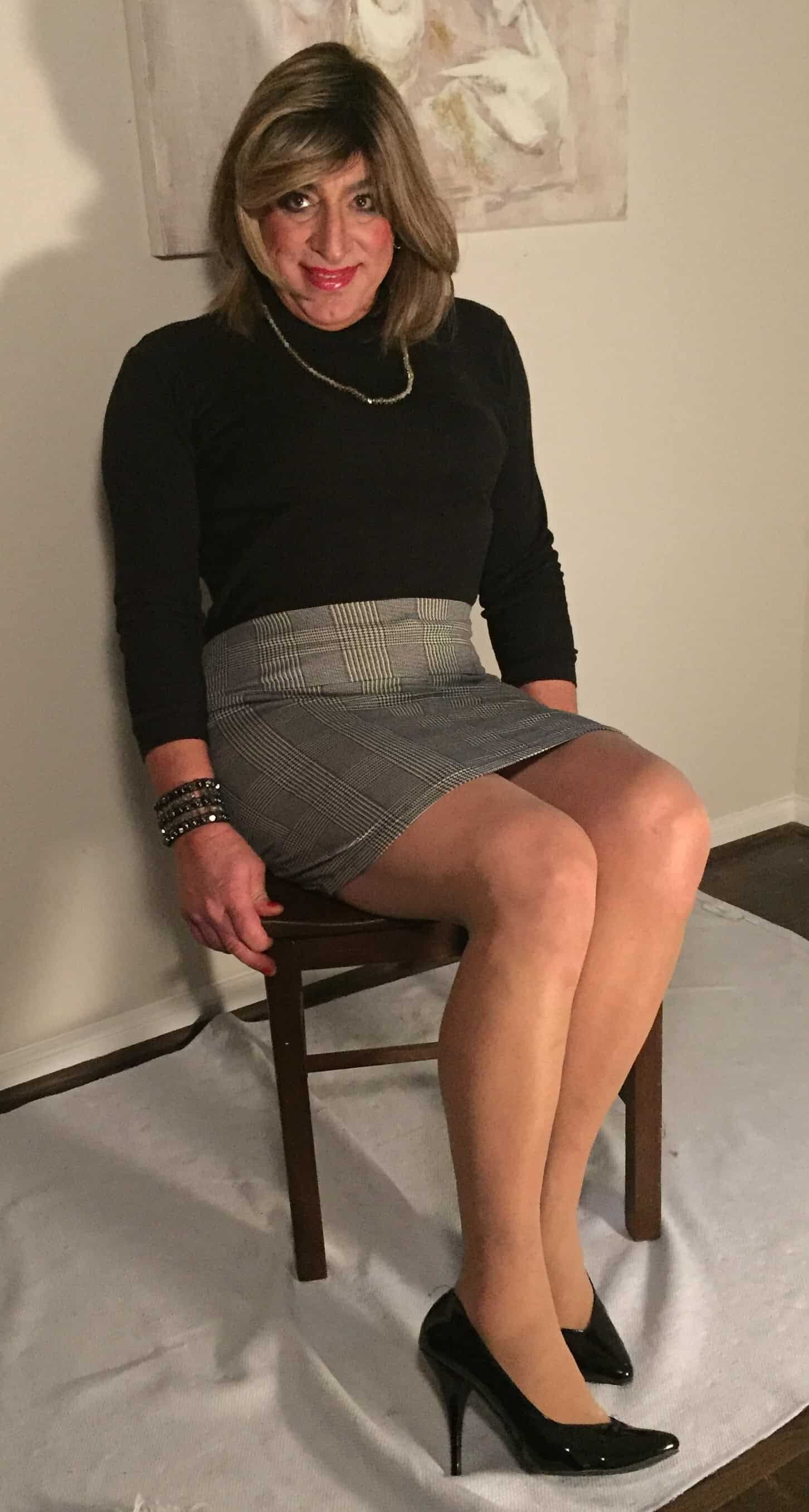 Stretch Lace Top, Nude Shear Hose, and Nude Heels