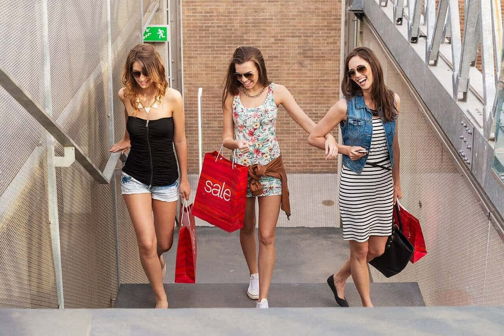 A beautiful crossdressing experience out shopping