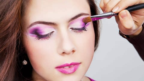 Professional makeup for crossdressers