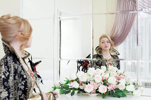 Son Crossdressing as a Queen